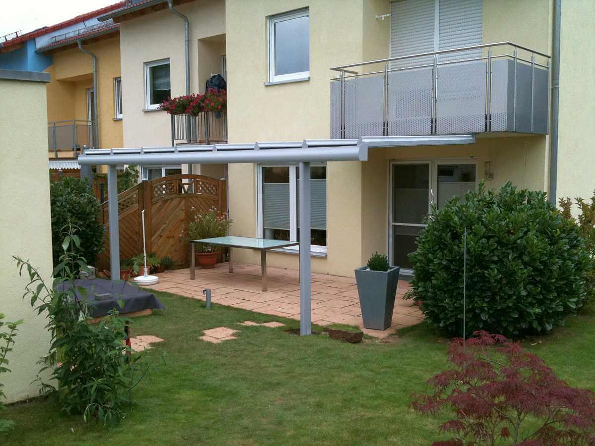 Terrassendach Beilstein am Balkon | Wohlfuehlwintergarten