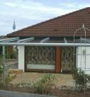 Bei der Abnahme der Terrassendachkonstruktion