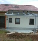 Beim einglasen der Terrassendachkonstruktion
