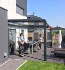 Bei der Abnahme der Terrassendach Konstruktion