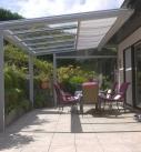 Terrassendach mit seitlichem Wind und Wetterschutz